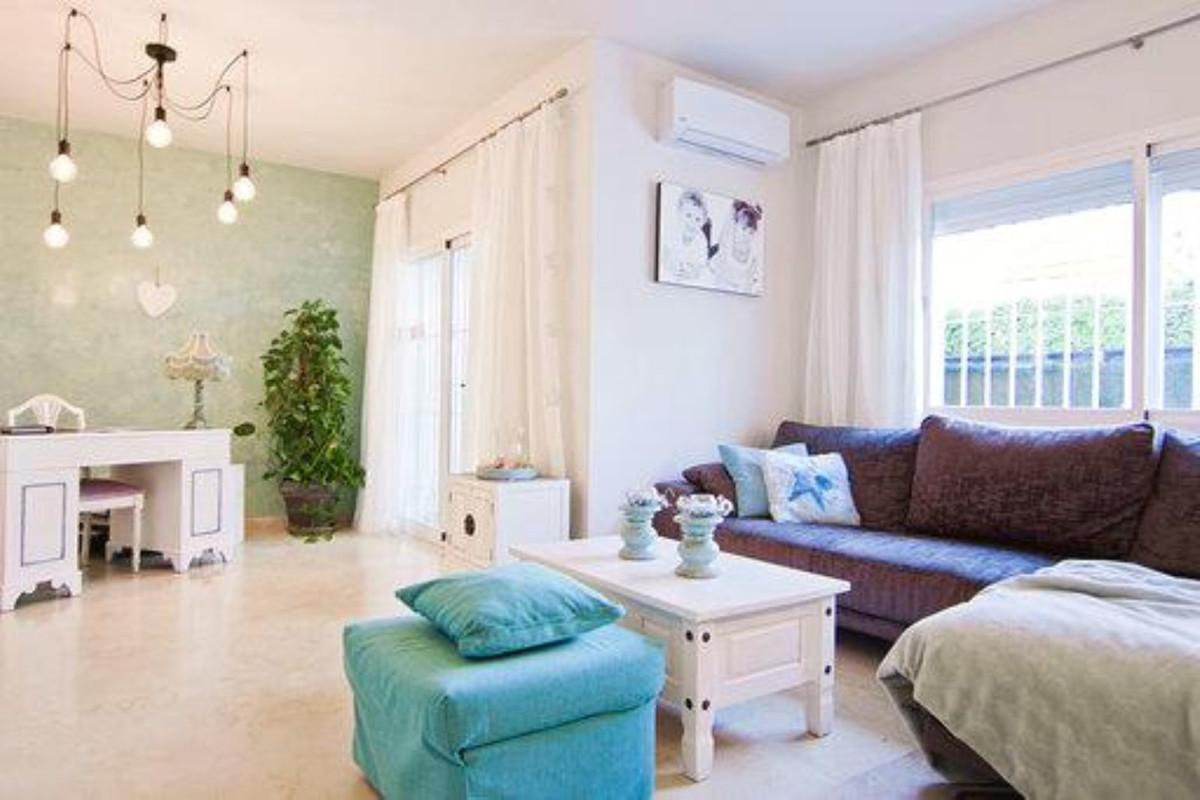 Unifamiliar con 5 Dormitorios en Venta San Pedro de Alcántara