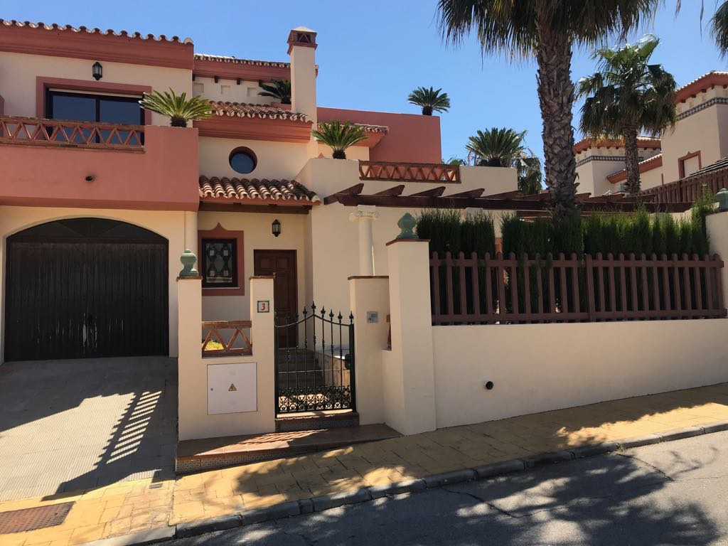 Ref:R2952457 Villa - Semi Detached For Sale in Coín
