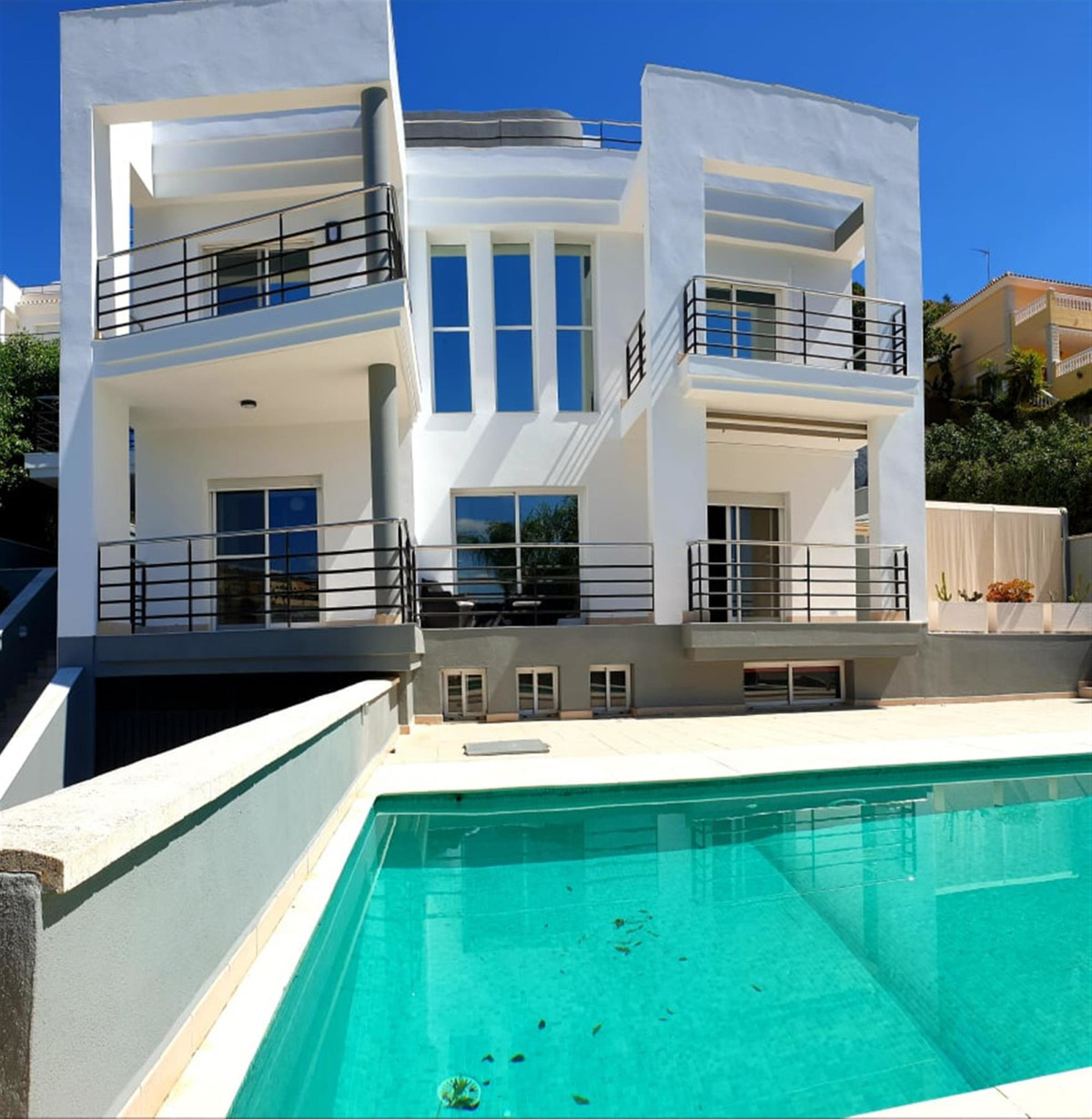 Ref:R3389848 Villa - Detached For Sale in Coín