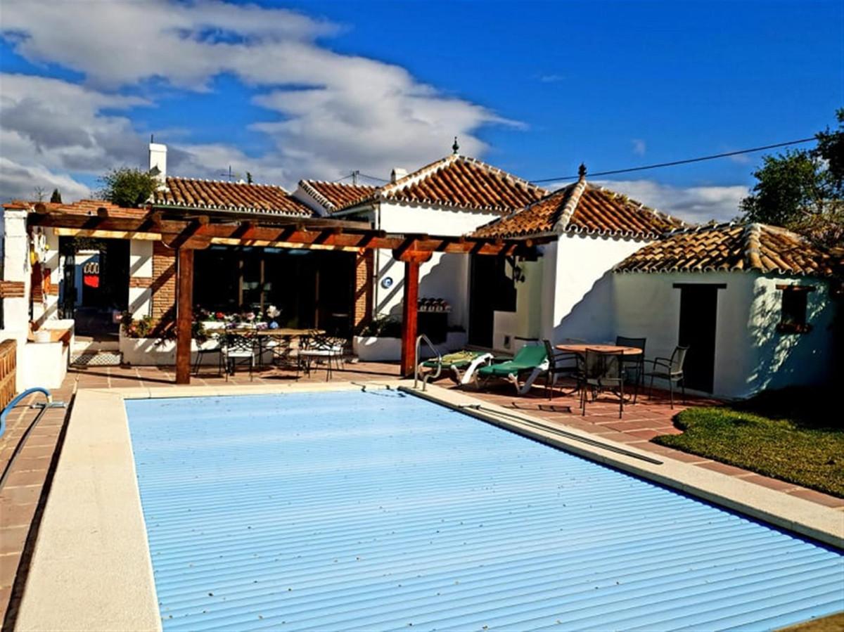 Ref:R3399484 Villa - Finca For Sale in Coín