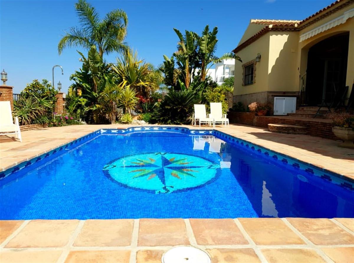 Ref:R3395866 Villa - Detached For Sale in Coín