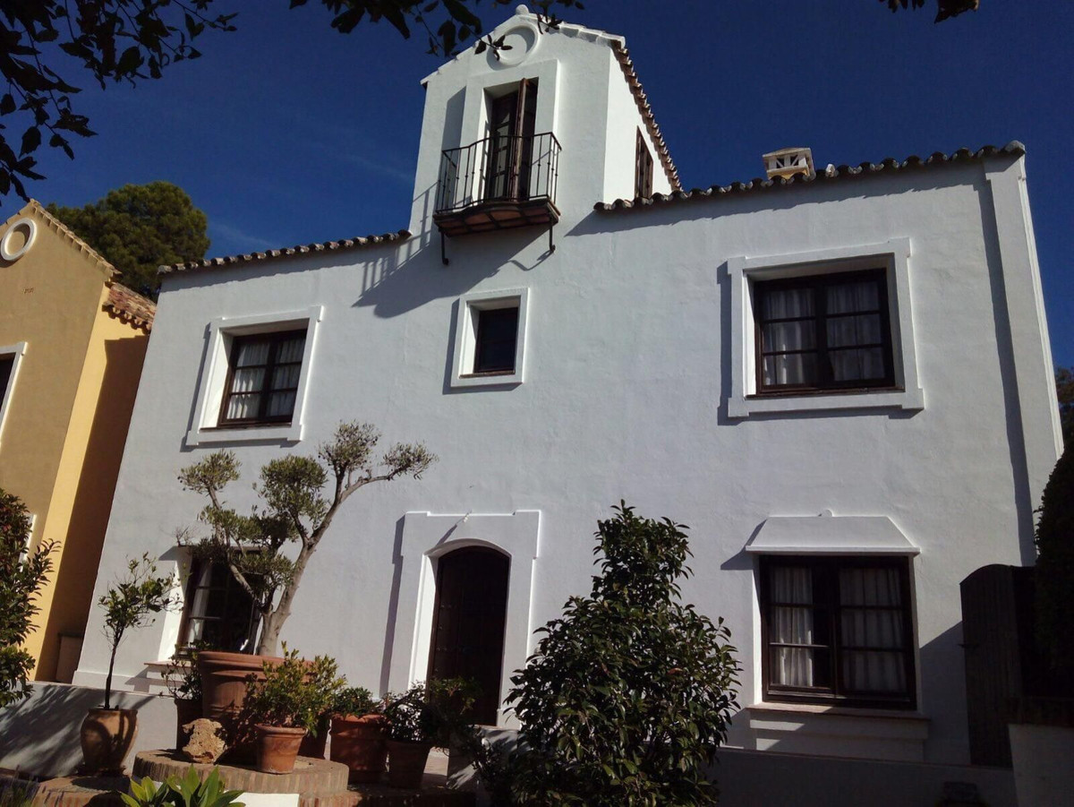 Ref:R3446617 Villa - Semi Detached For Sale in La Zagaleta