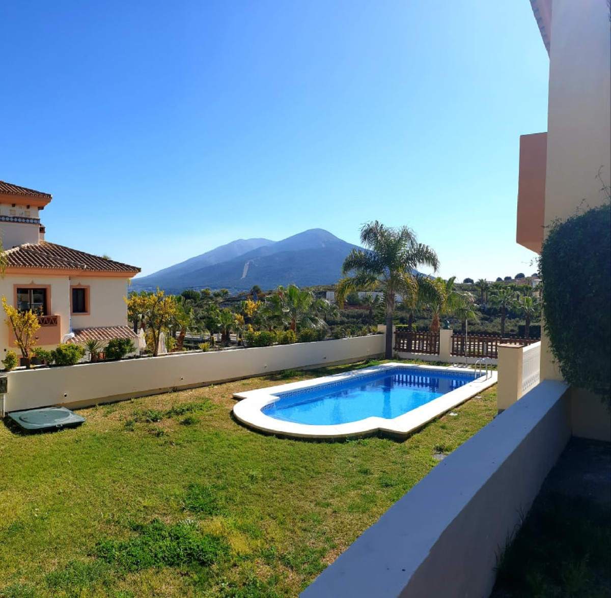 Ref:R3430993 Villa - Semi Detached For Sale in Coín
