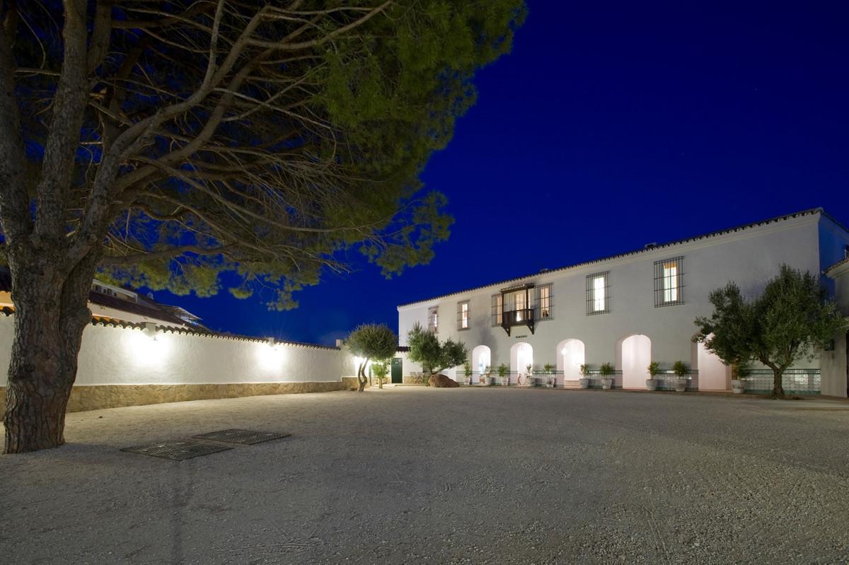 Ref:R3134647 Villa - Detached For Sale in Fuengirola