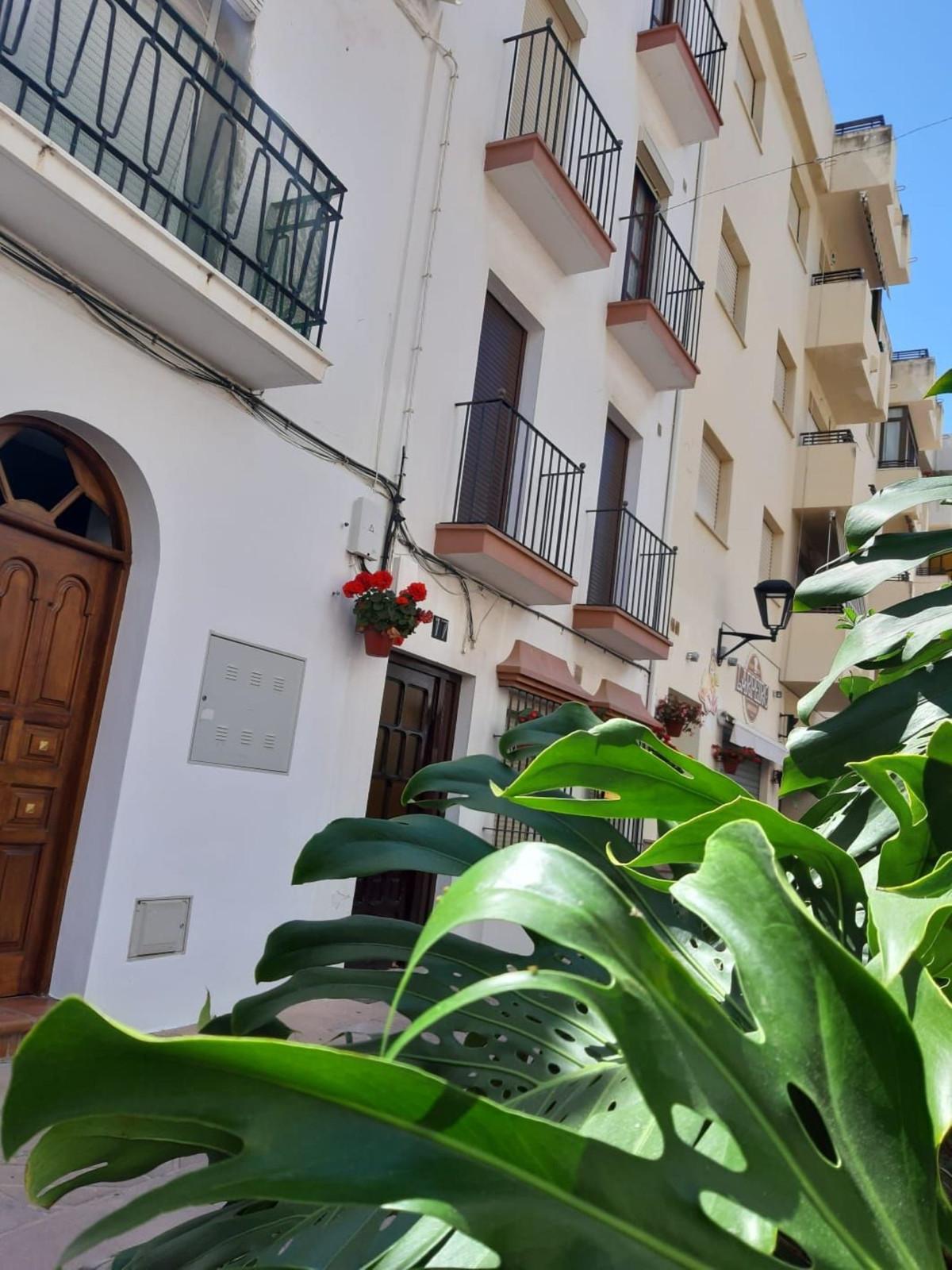 R3426529: Apartment - Middle Floor in Estepona