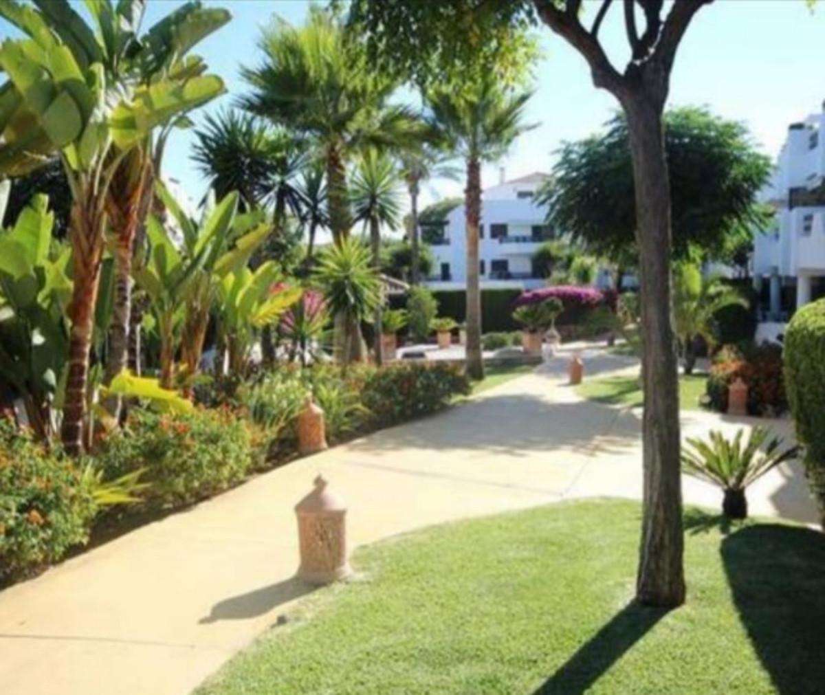 R3527812: Apartment - Penthouse in Estepona
