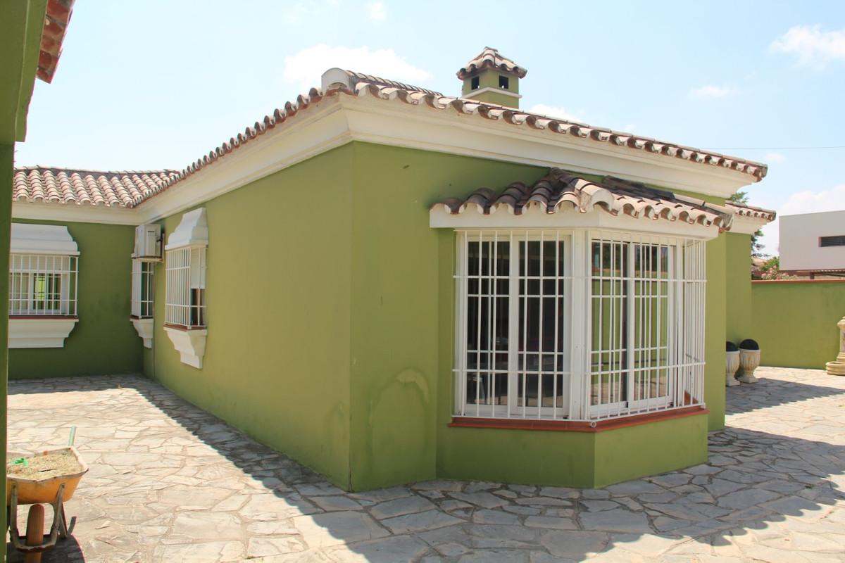 Villa Individuelle à Los Barrios R3468172