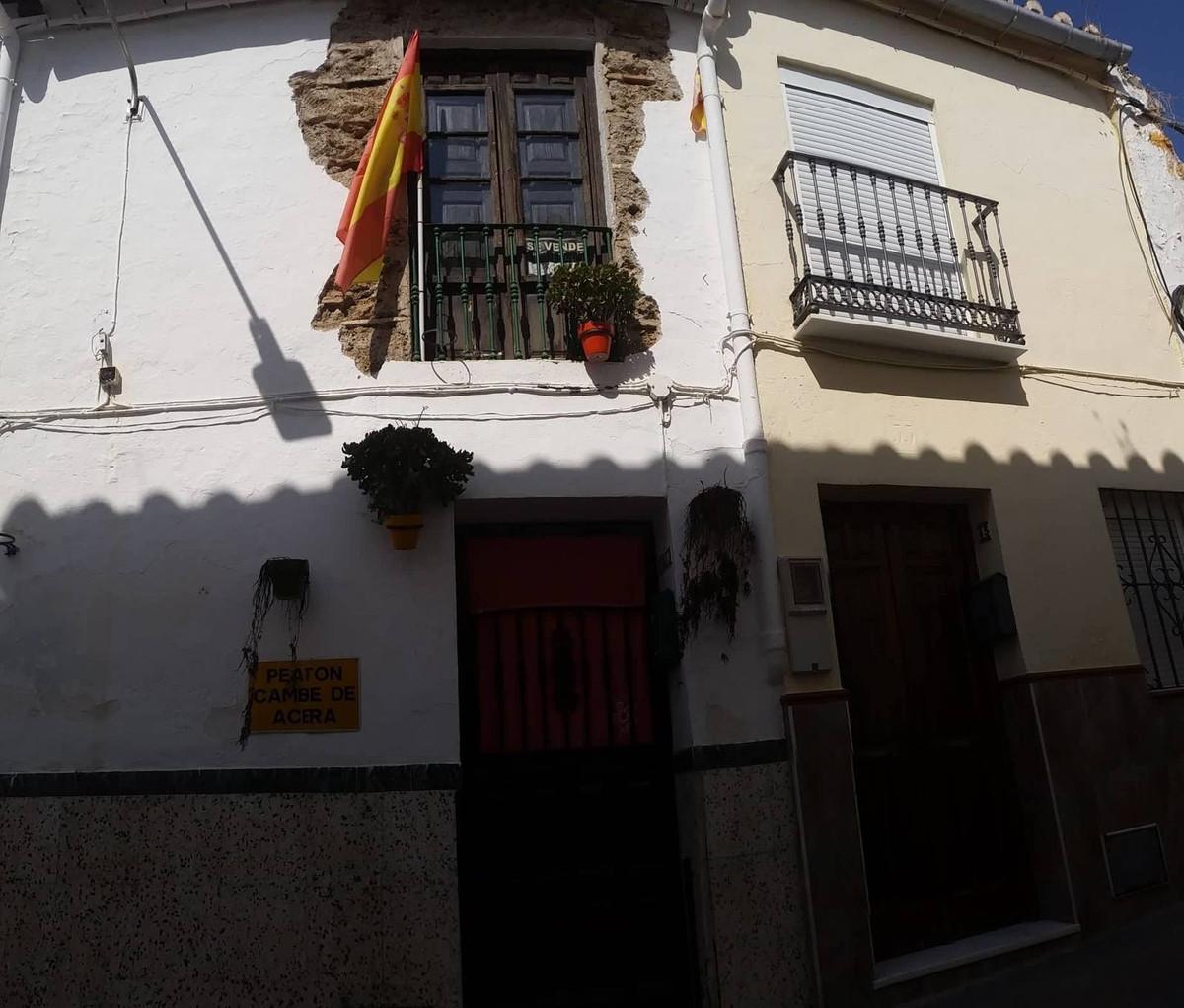 Maison Jumelée, Mitoyenne  en vente    à Coín