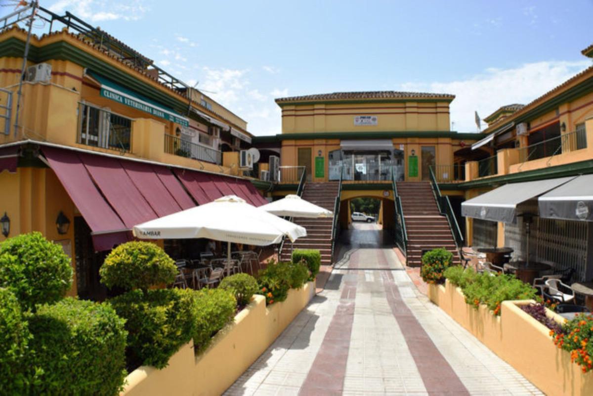 Commercial, Shop  for sale   and for rent    en Estepona