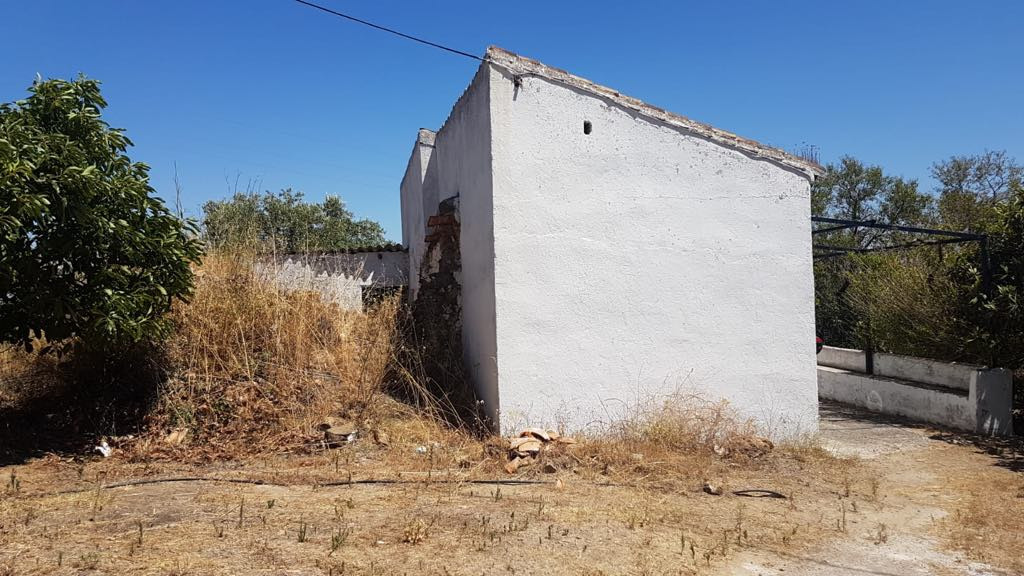Finca for Restoration Small finca of approx 80M2 on 12200M2 of land in the the beautiful sought afte,Spain