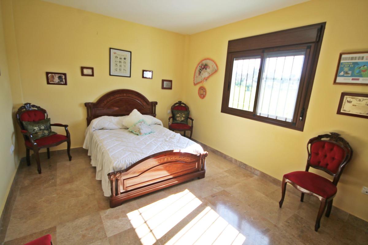 House en Alhaurín el Grande R3636443 7