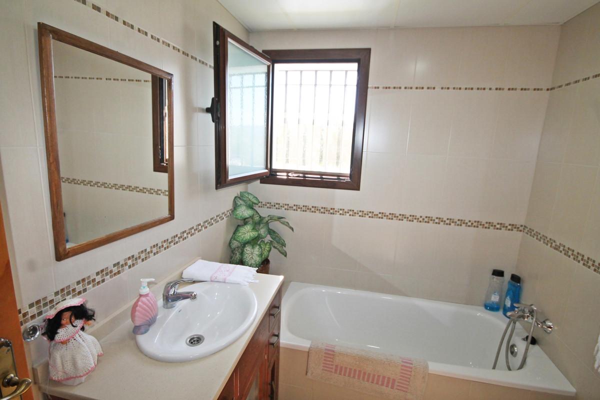House en Alhaurín el Grande R3636443 8