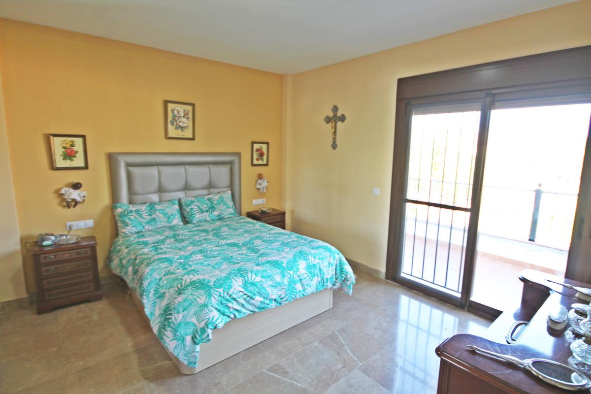 House in Alhaurín el Grande R3636443 9