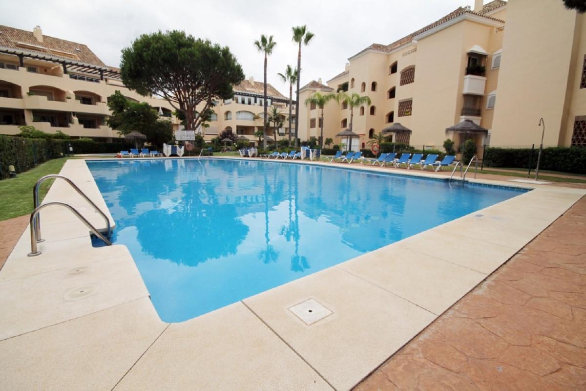 Middle Floor Apartment, Elviria, Costa del Sol. 2 Bedrooms, 2 Bathrooms, Built 131 m², Terrace 20 m²,Spain