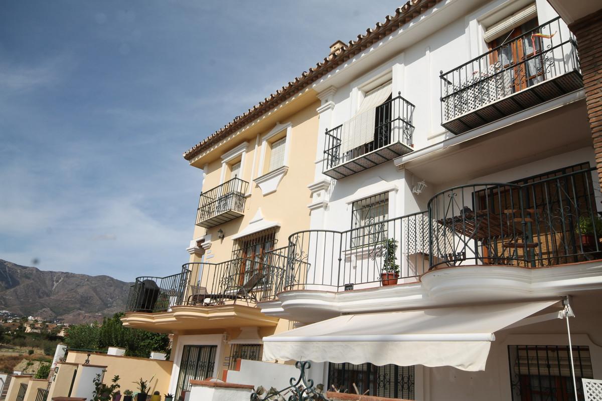 Penthouse, Mijas Golf, Costa del Sol. 2 Bedrooms, 2 Bathrooms, Built 86 m², Terrace 8 m².  Setting :,Spain