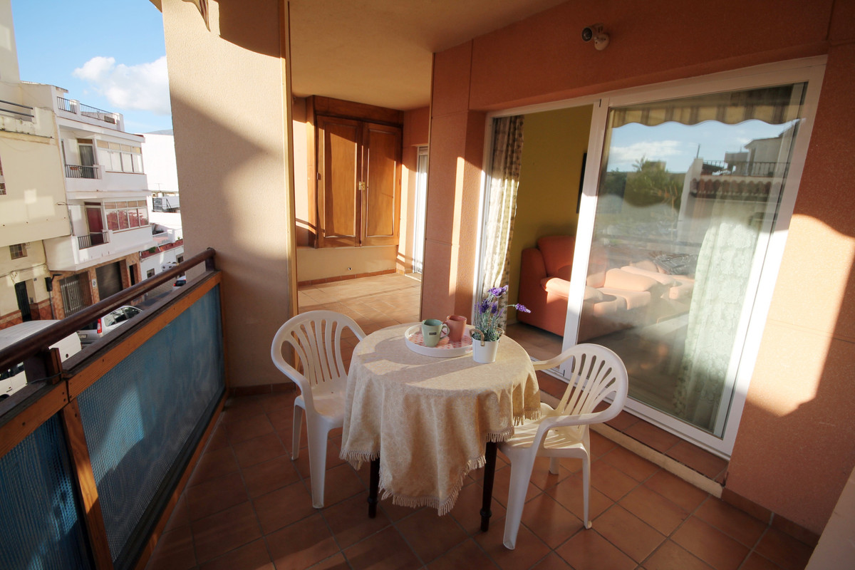 Middle Floor Apartment, Fuengirola, Costa del Sol. 2 Bedrooms, 1 Bathroom, Built 85 m², Terrace 15 m,Spain