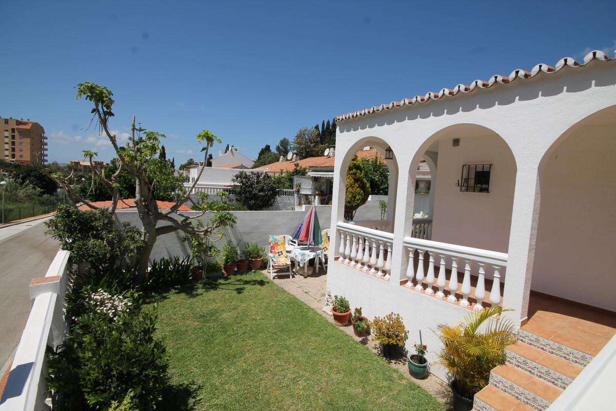 Detached Villa in Los Pacos R3431665