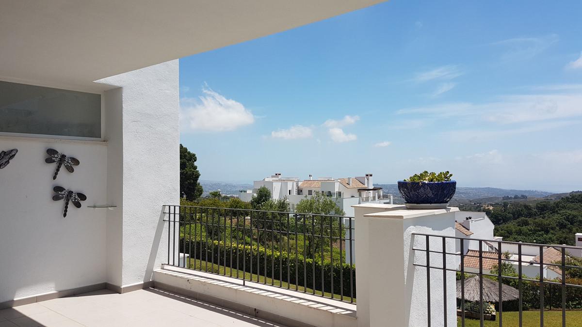 Apartment Middle Floor La Mairena Málaga Costa del Sol R3645647 10
