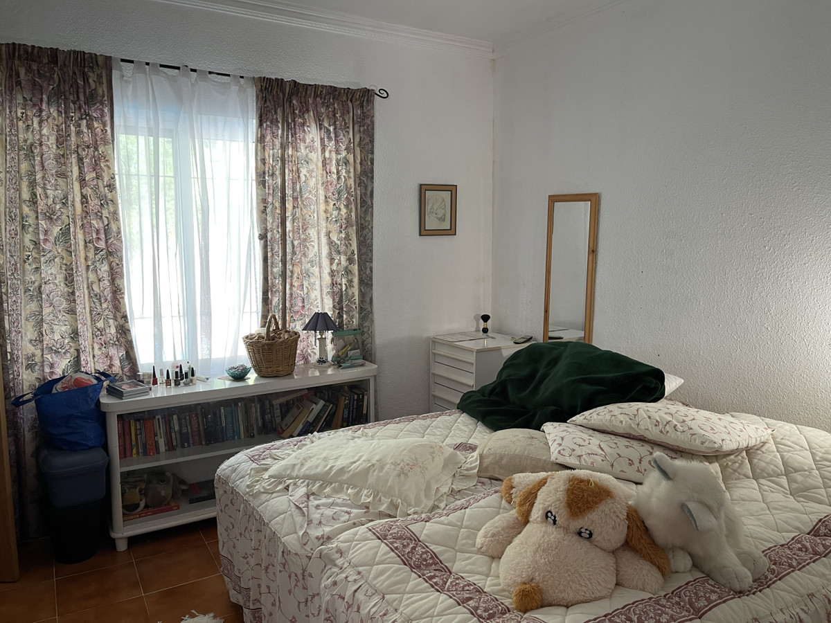 House in Los Pacos R3830494 12