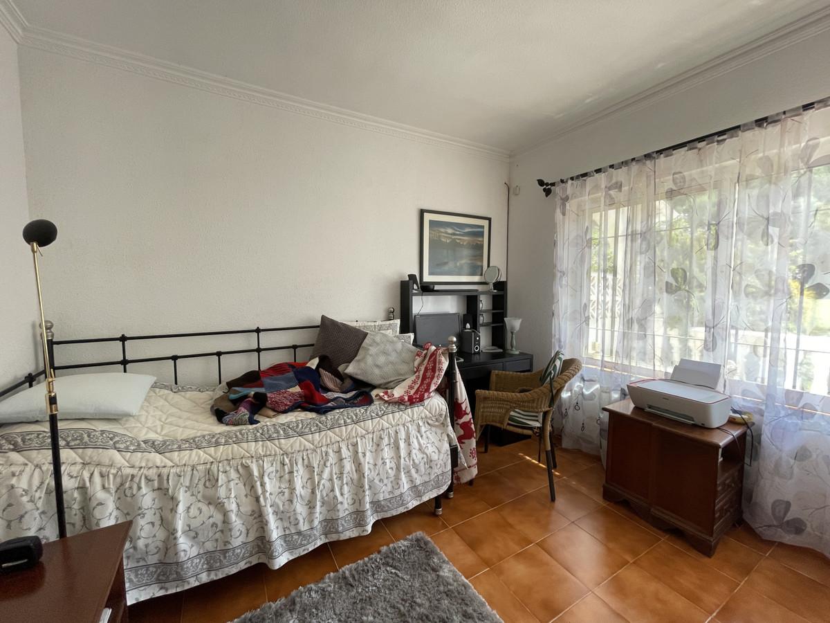 House in Los Pacos R3830494 13