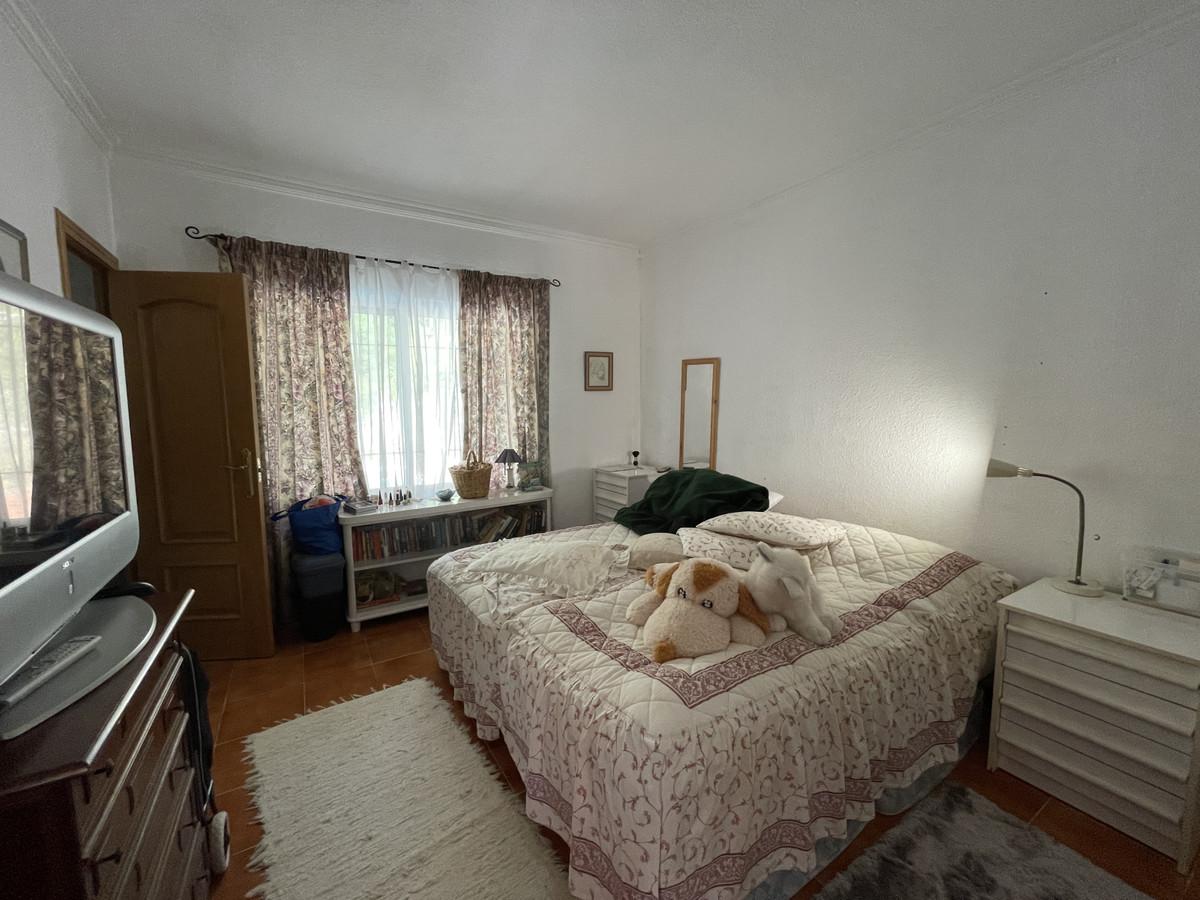 House in Los Pacos R3830494 15
