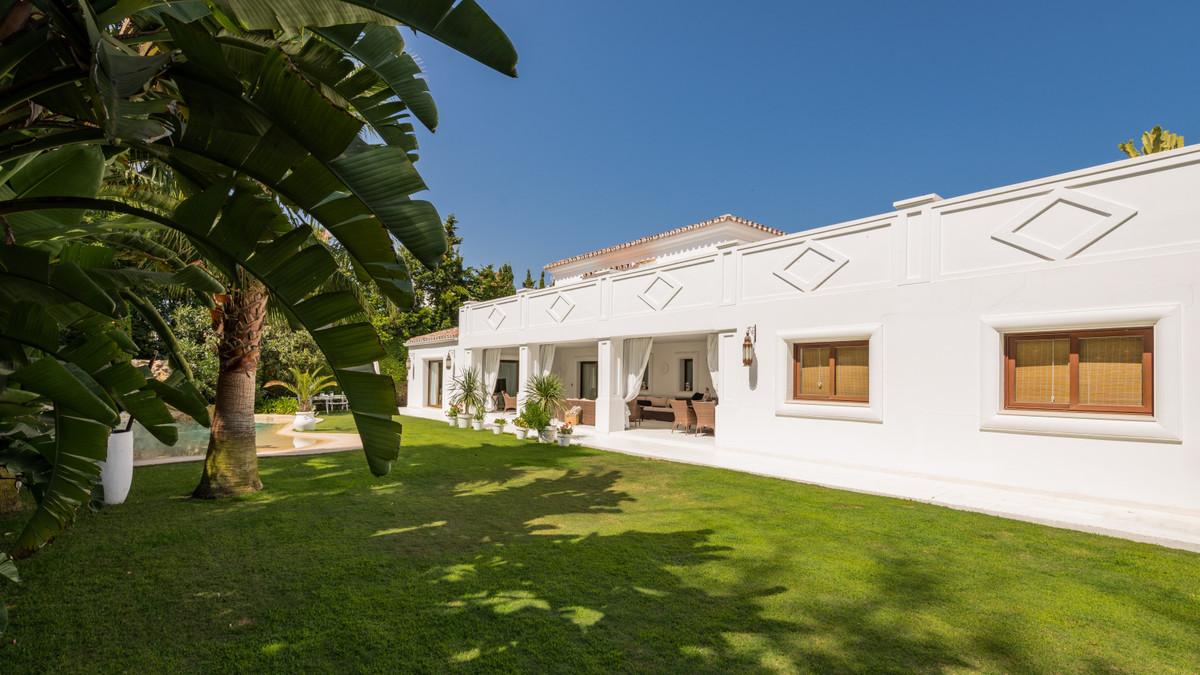 House in Atalaya R3903235 3