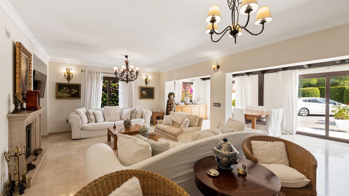 House in Atalaya R3903235 6
