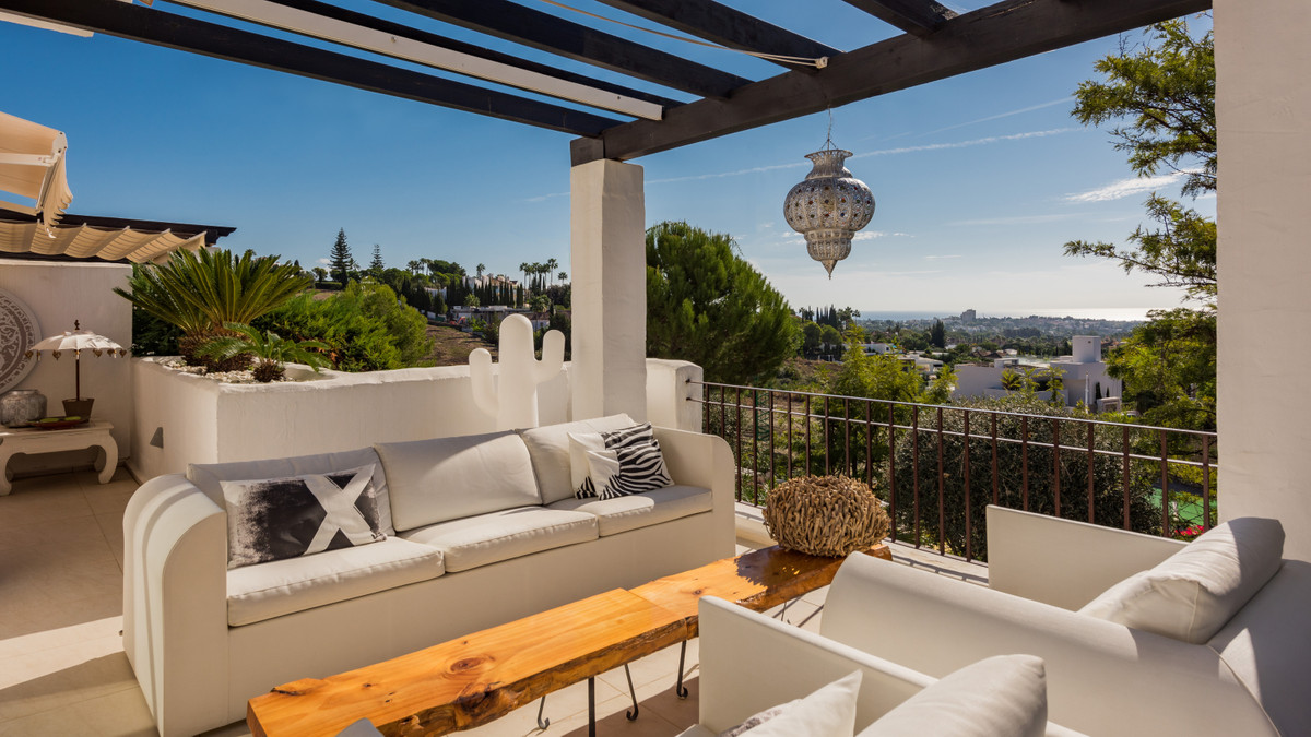 Situated in a quiet residential area of Nueva Andalucia's Golf Valley, this luxurious and sough,Spain