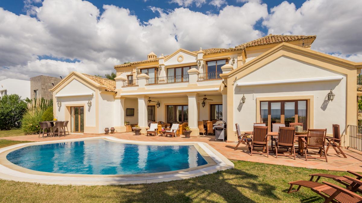 Detached Villa in Benahavís R3393385