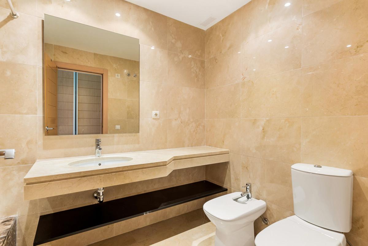 2 Bedroom Ground Floor Apartment For Sale New Golden Mile