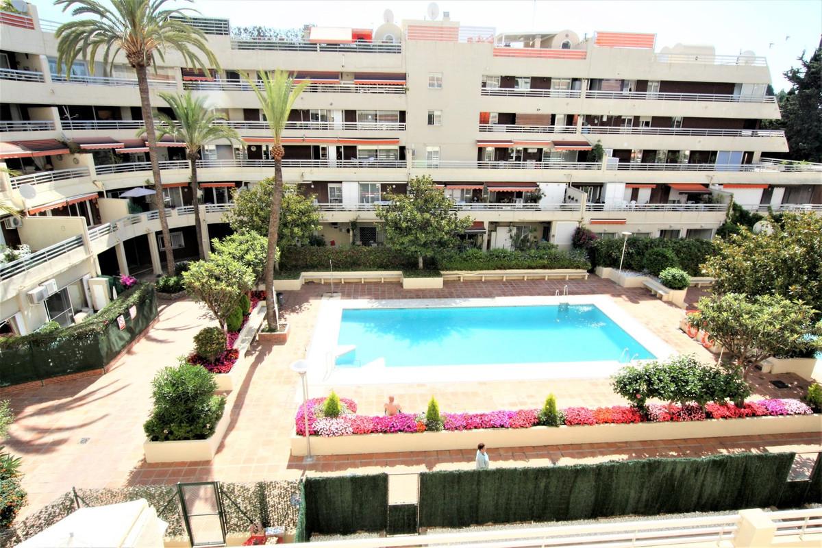 !!! LARGE FLOOR DIMENSIONS 3 BEDROOMS CENTRO DE MARBELLA Â¡Â¡Â¡  Large 3 bedroom house in Marbella centSpain