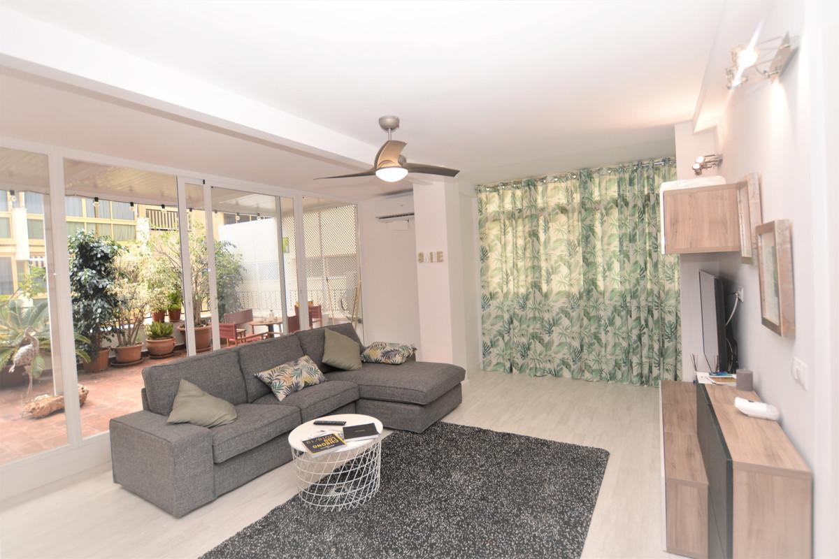 Lägenhet på mellanplan till salu i Marbella