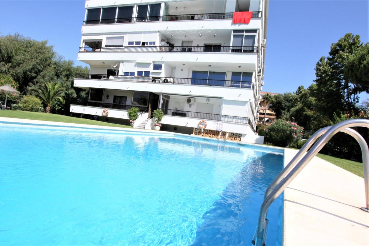 1 Bedroom Middle Floor Apartment For Sale Puerto Banús