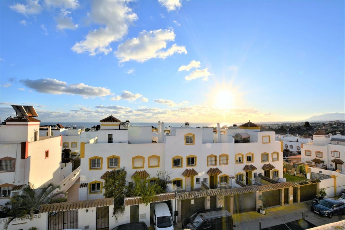 !! 3 BEDROOMED HOUSE BELLOHORIZONTE !!  Family townhouse in urbanization Bello Horizonte, Marbella. ,Spain