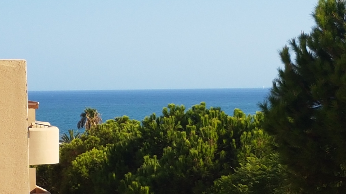 LARGE VERY SUNNY TERRACE OF 40 METERS, NEAR ALL AMENITIES AND THE BEACH, GREAT INVESTMENT !!  Immacu,Spain