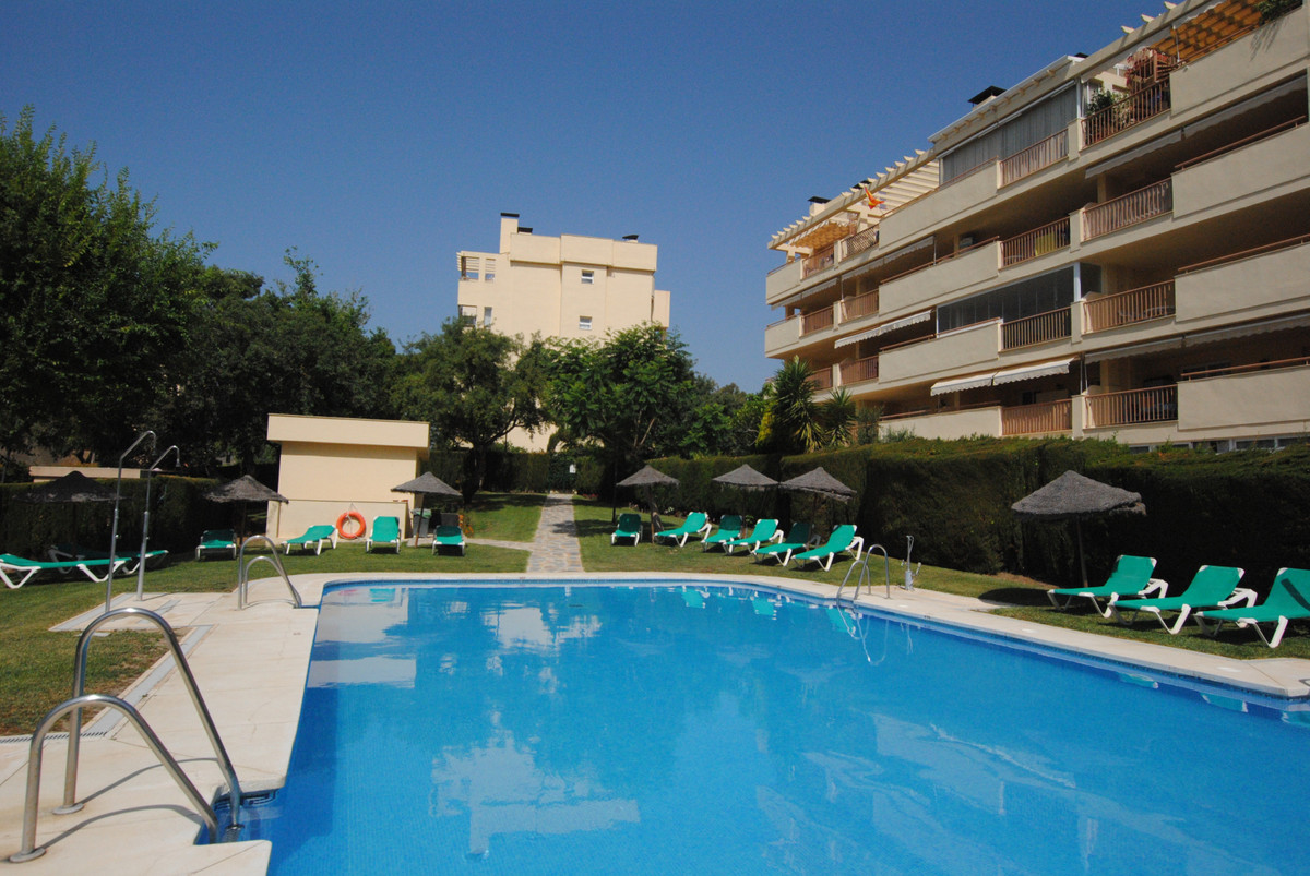 Middle Floor Apartment, Calahonda, Costa del Sol. 2 Bedrooms, 1 Bathroom, Built 60 m², Terrace 22 m²Spain