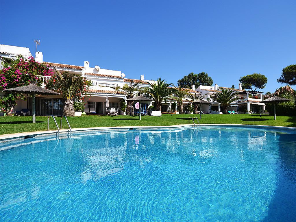 Townhouse, Marbella, Costa del Sol. 3 Bedrooms, 2 Bathrooms, Built 193 m², Terrace 38 m².  Setting :,Spain