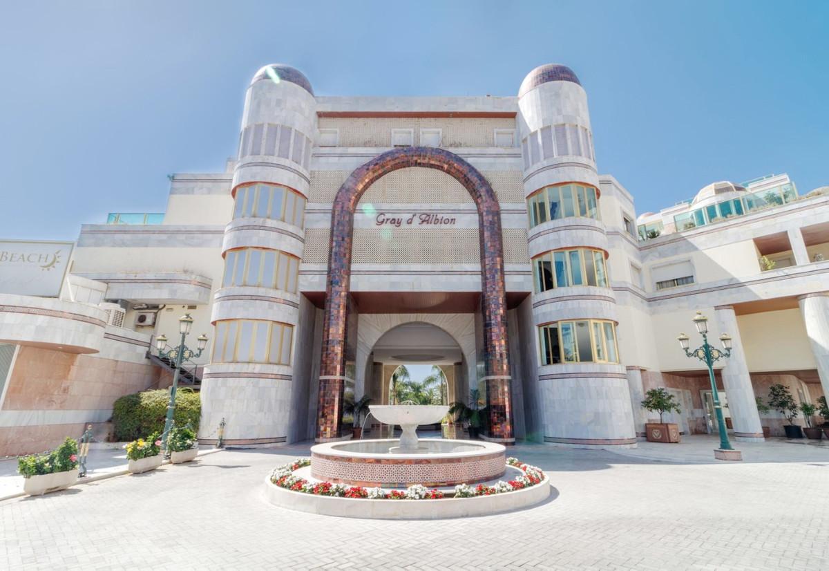 Ground Floor Apartment, Puerto Banus, Costa del Sol. 1 Bedroom, 2 Bathrooms, Built 65 m², Terrace 10,Spain