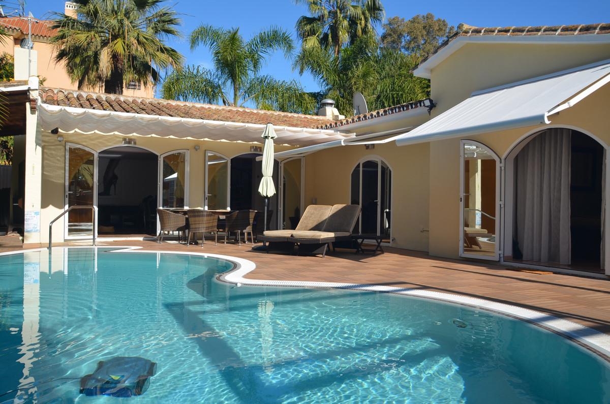 Villa for sale in Carib Playa