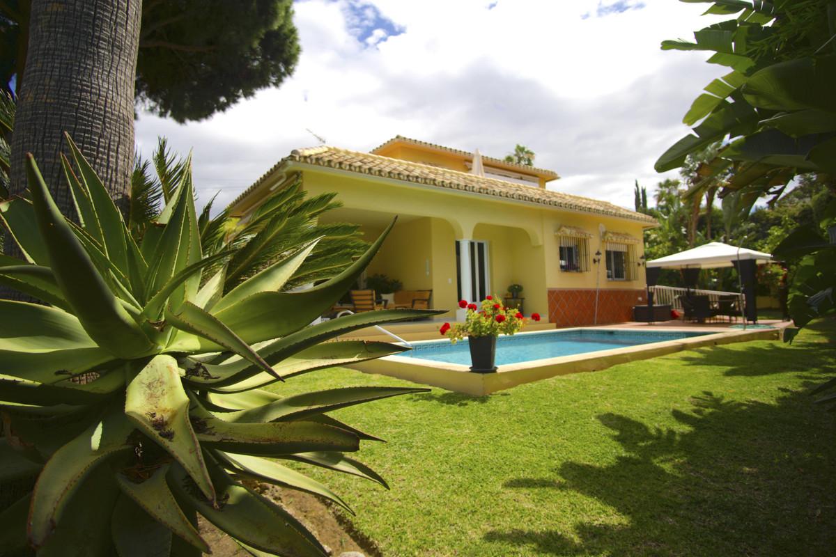 Villa Te Koop - Marbesa