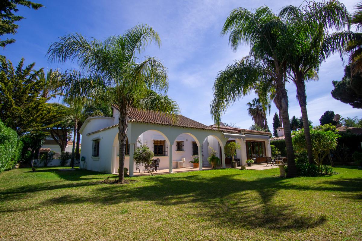 Villa 2 Dormitorios en Venta Marbesa
