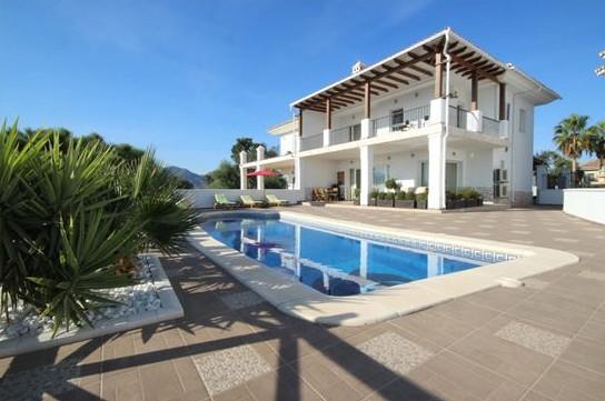 This beautiful, full of youth & freshness, modern designer's semi-detached private villa bo,Spain
