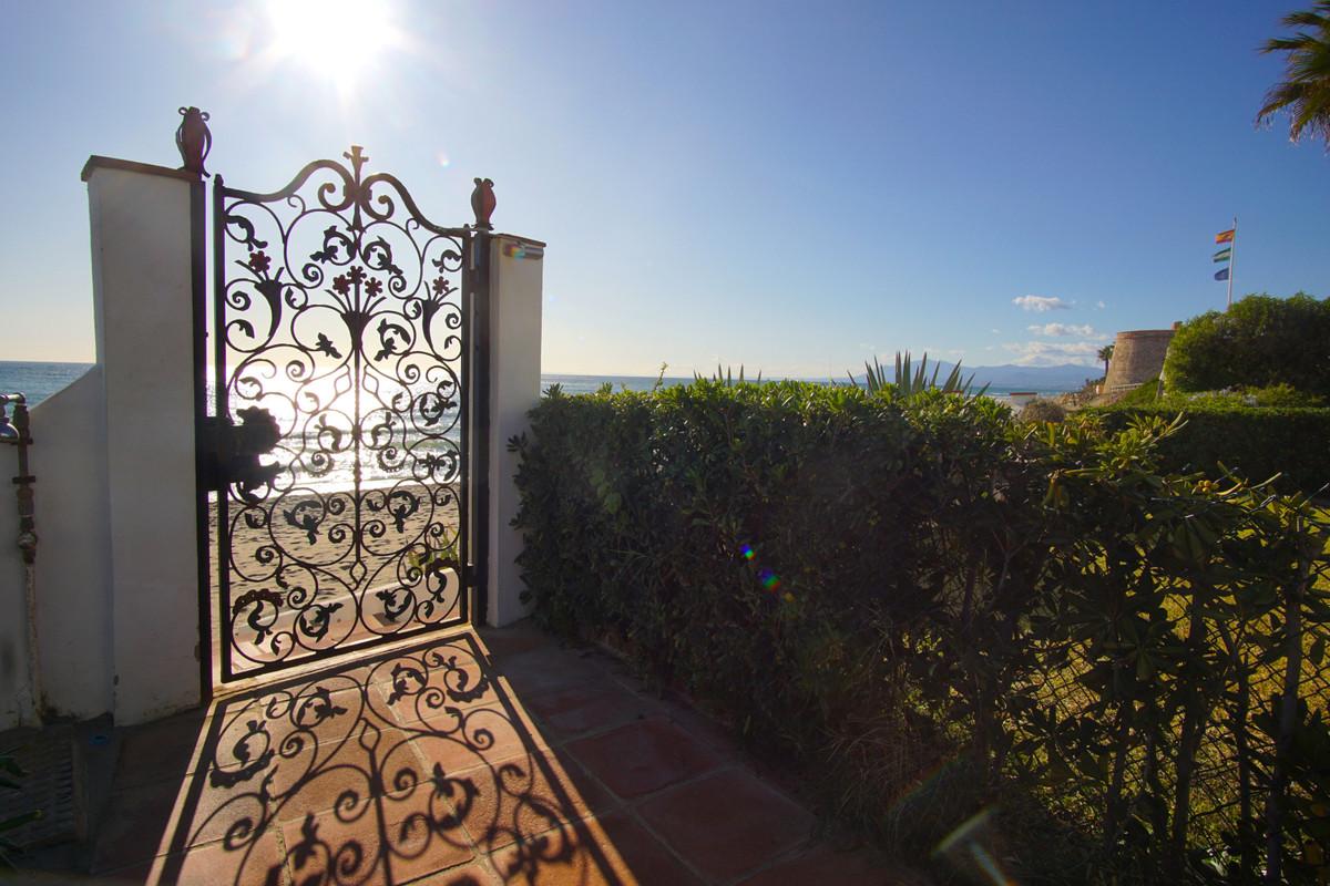 Villa con 3 Dormitorios en Venta Marbesa