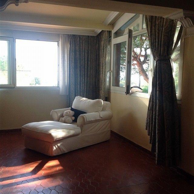 Villa con 7 Dormitorios en Venta Artola