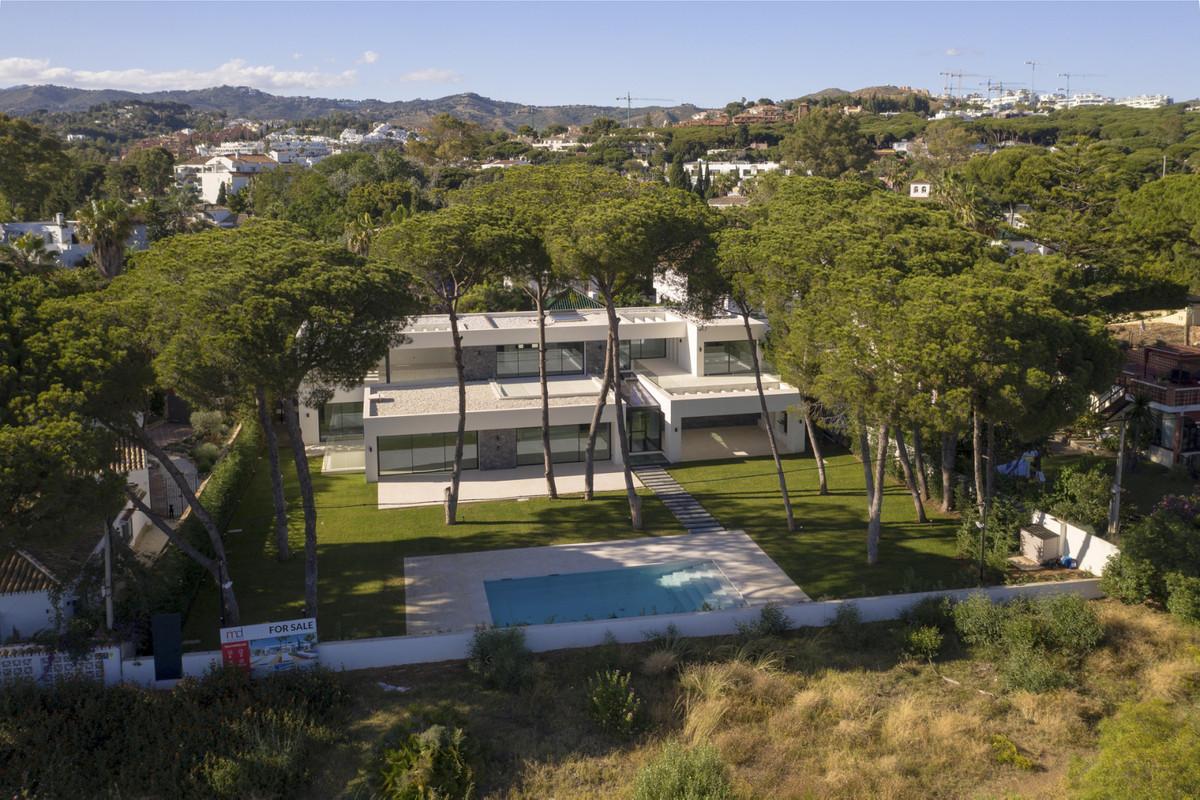 Detached Villa for sale in Cabopino R3232639