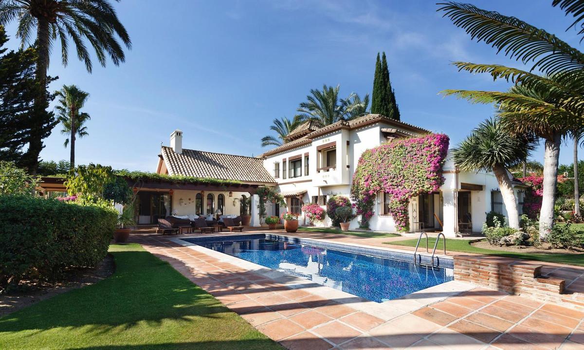 Villa zu verkaufen in Nueva Andalucía R3556051