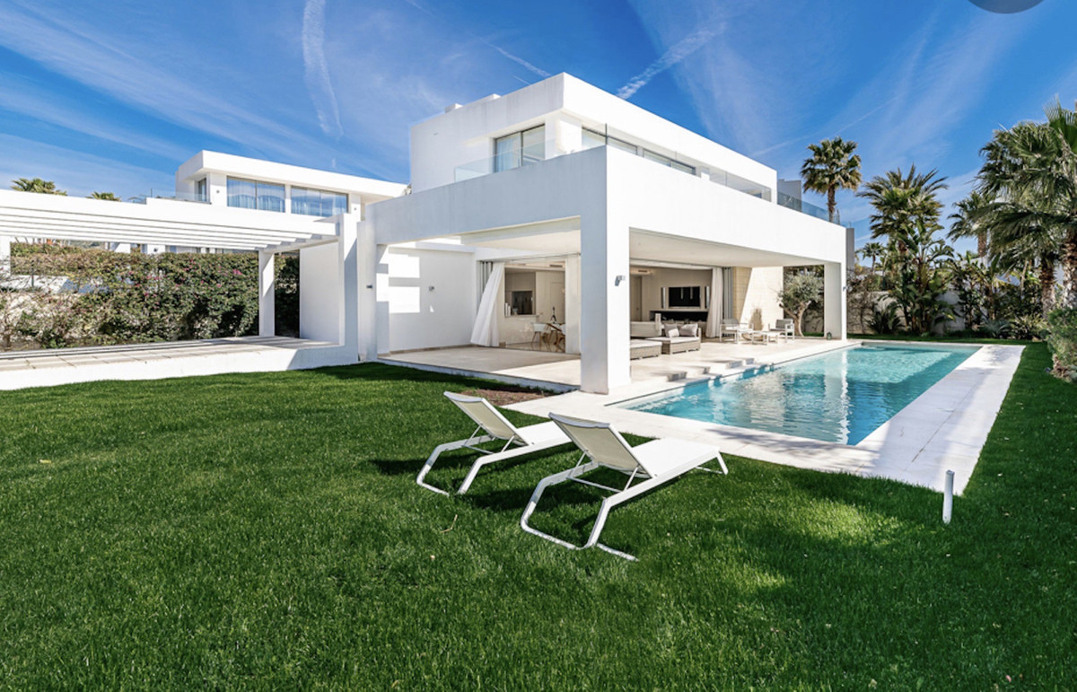 Detached Villa for sale in Río Real R3673532
