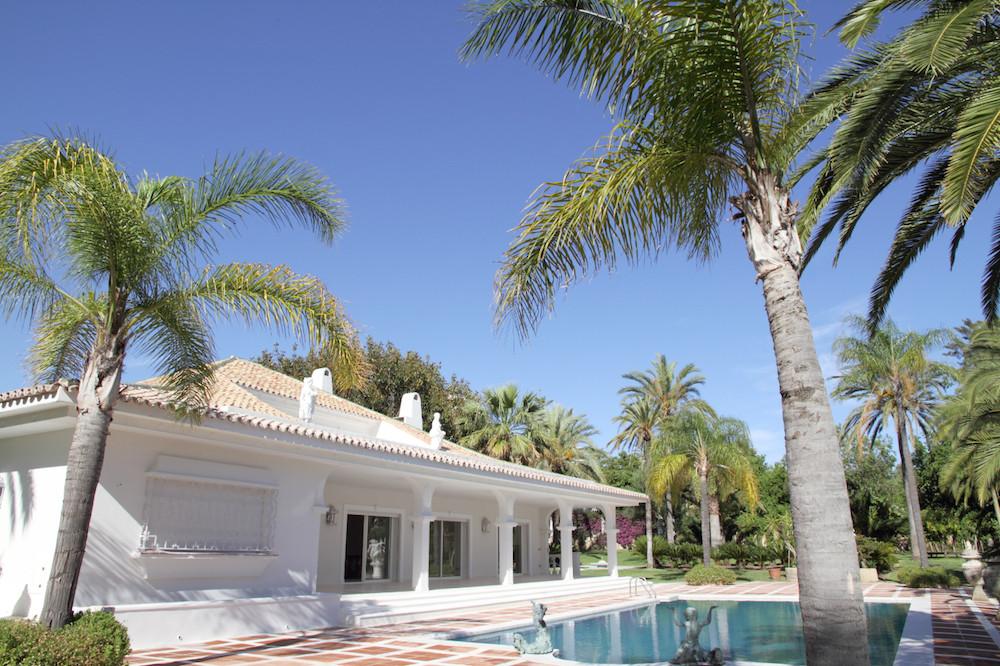 Villa - Chalet en venta en Nueva Andalucía R2420021