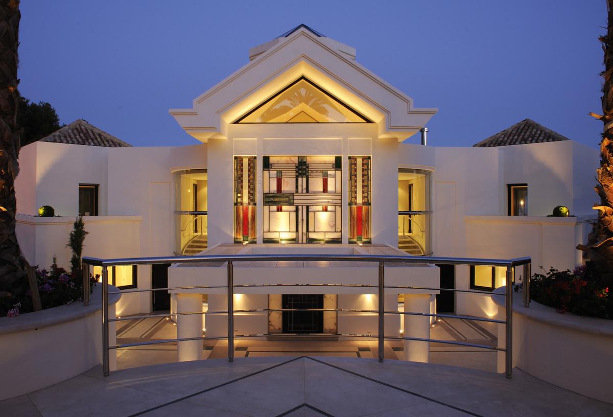 Villa con 5 Dormitorios en Venta Sierra Blanca