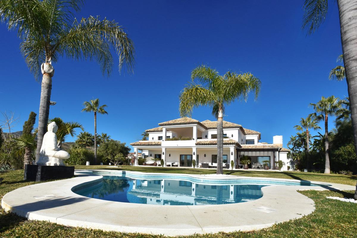 Detached Villa in Benahavís R3370348